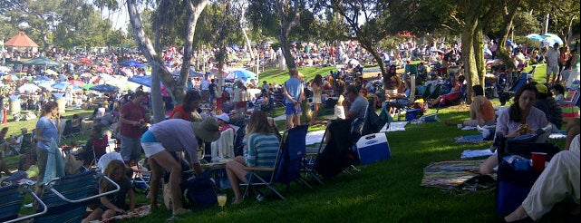 Polliwog Park is one of For K9 friends in SFValley+.