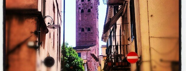 Torre Guinigi is one of Italien.