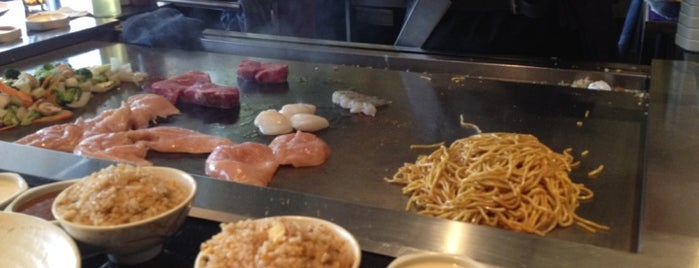 Osaka Sushi House & Hibachi Steakhouse is one of Fooooood.