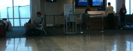 Gate 4 is one of MCO.