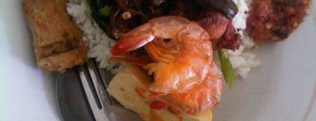 "Warung Nasi Gonde ""Cik Swi"" is one of Bali ""Jaan"" Culinary."