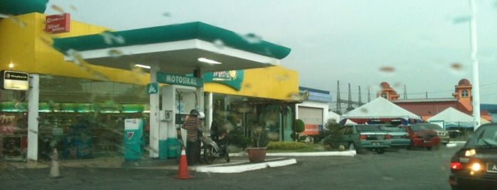 Petronas Seri Iskandar is one of Makan @ Utara #7.
