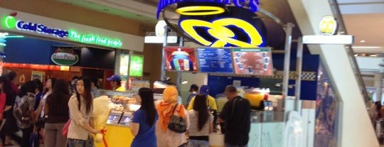 Auntie Anne's is one of makan sedap.