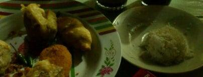 Gorengan (Bondon) Laswi is one of Food Spots @Bandung.