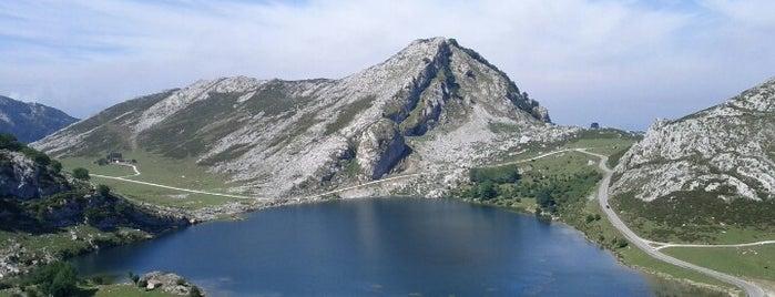 Lagos de Covadonga is one of ir con mi Vero.