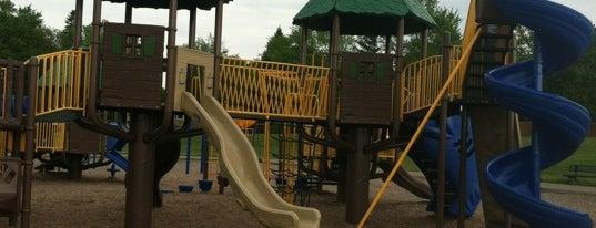 Clarkston Elementary School is one of q.