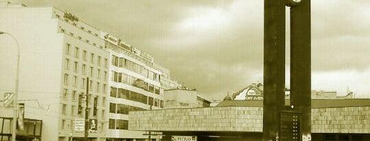 Metro =B= =C= Florenc is one of Metro C.