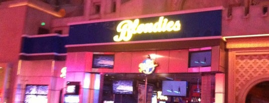 Blondies Sports Bar & Grill is one of Las vegas.