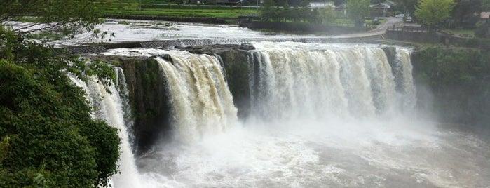 Harajiri Waterfall is one of 日本の滝百選.