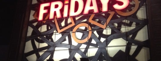 T.G.I. Friday's is one of Lieux qui ont plu à Sebastian.