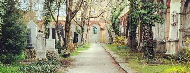 Alter Südfriedhof is one of All the great places in Munich.