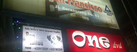 Martabak San Francisco is one of Bandung Tourism: Parijs Van Java.
