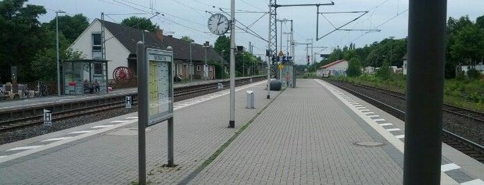 Bahnhof Warburg (Westf) is one of DB ICE-Bahnhöfe.