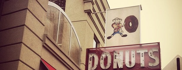 Buckeye Donuts is one of Brunch.