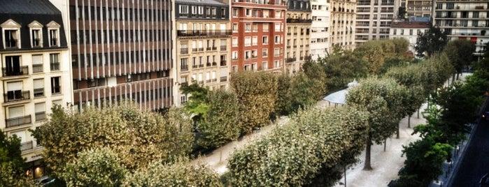 Square Adolphe Chérioux is one of Parcs, jardins et squares - Paris.