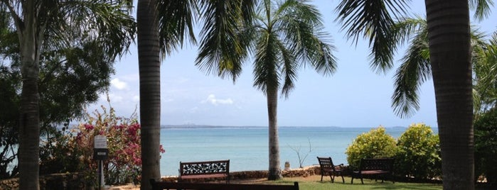 Coral Beach Hotel is one of Ian-Simeon's Guide To Dar es Salaam.