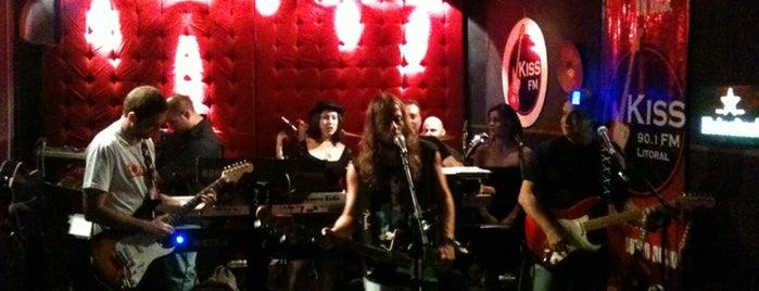 Studio Rock Café is one of Em Santos.