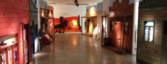 Yapı Kredi Kültür Merkezi is one of Art Gallery & Museum in Istanbul.