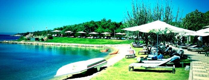 Ortunç Club Beach is one of Oteller.