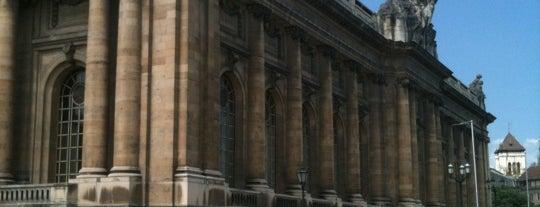 Musée d'Art et d'Histoire is one of Curious cabinets.