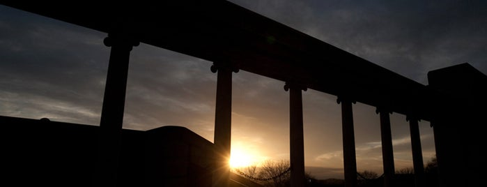 "William ""Gander"" Terry Colonnade and Amphitheatre is one of Romantic Spots at WKU."