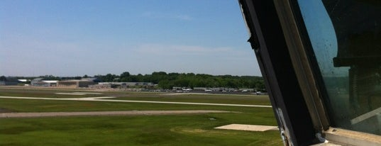 Northeast Philadelphia Airport is one of Hopster's Airports 1.