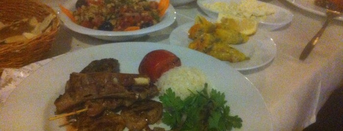 Hanedan Restaurant is one of İzmir.