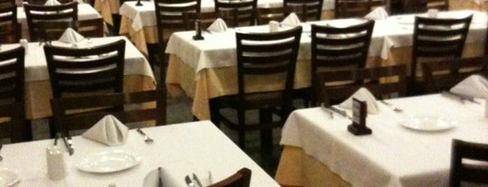 Central Park Pizzaria e Churrascaria is one of Top 20 para comer em SP.