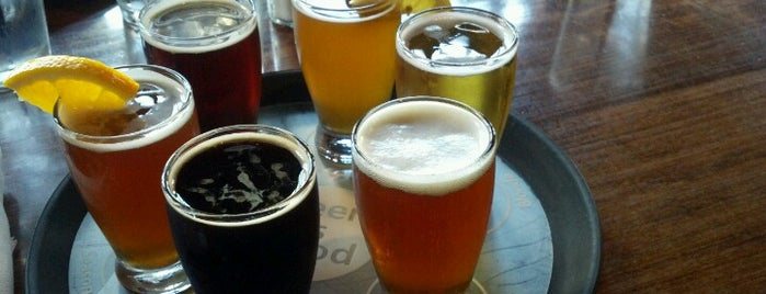 Southend Brewery & Smokehouse is one of Charleston Beer.