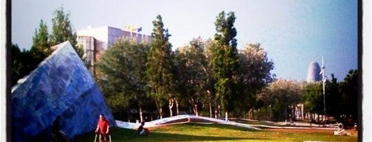 Parc de l'Estació del Nord is one of parcs.