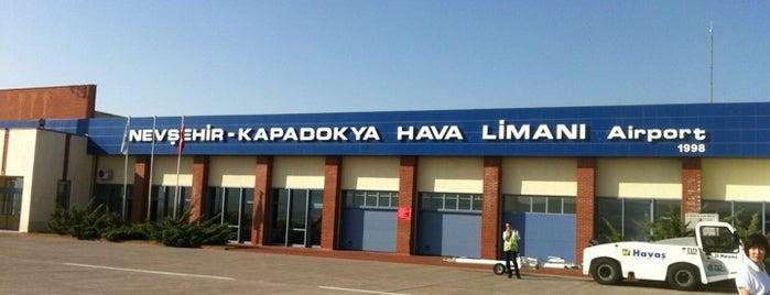 Nevşehir Kapadokya Havalimanı (NAV) is one of Kapadokya.