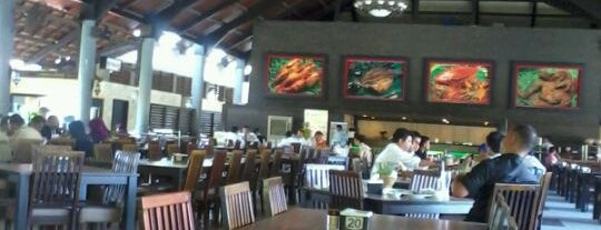 Lembur Kuring is one of Medan culinary spot.