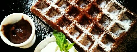 Van der Wafel is one of My Piter: Food.