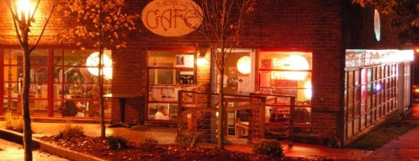 Rachael's Cafe is one of Bloomington To-Do.