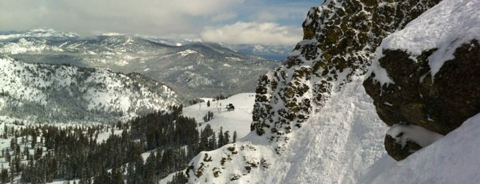 Squaw Valley Ski Resort is one of Bucket List Places.