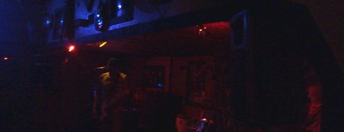 Rockstar Lounge is one of Gator Nation secrets.