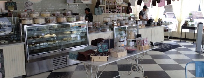 Magnolia Bakery is one of My 2 Do List Part 2.