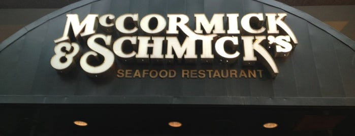 McCormick & Schmick's Seafood Restaurant (K Street) is one of FOOD!.