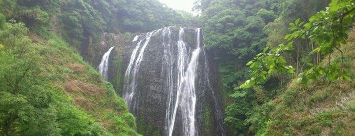 龍門滝 is one of 日本の滝百選.