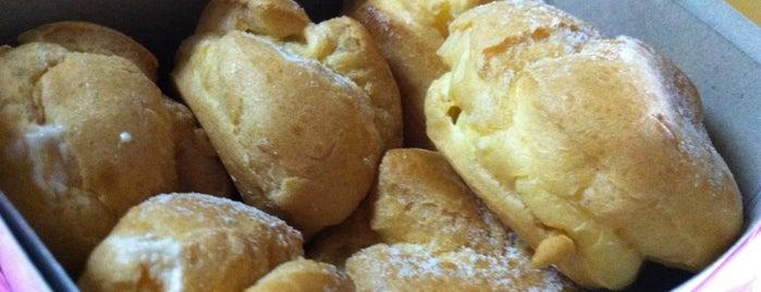 Sin Ka Oon Bakery 新加恩 is one of Café | Penang.