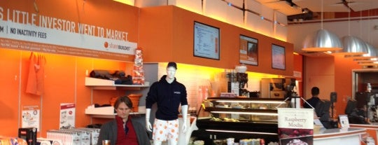 Capital One 360 Café is one of Best Coffices in New York.