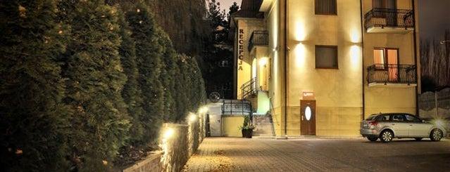 Villa Angela is one of Szkolenia z Inspiros.