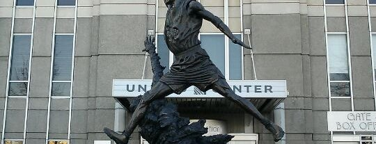 The Spirit by by Omri & Julie Rotblatt-Amrany (Michael Jordan Statue) is one of Two days in Chicago, IL.