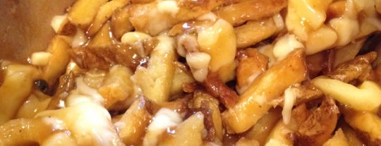 Smoke's Poutinerie is one of Toronto City Guide #4sqCities.