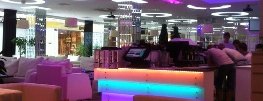 Sasha's Bar is one of Бонусы в Питере.
