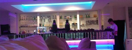 Sasha's Bar is one of RestoUp Top (1200 - 2500 руб), СПб.