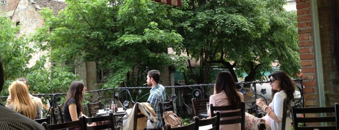 Red Bar is one of todo.beograd.