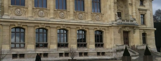 Botanical Garden of Paris is one of เที่ยวช้อปปิ้ง Paris!.