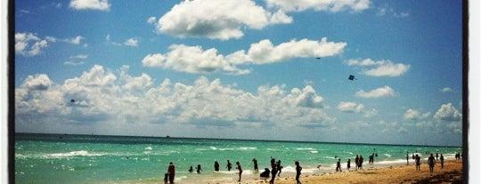 Miami Beach is one of Любимые Места.
