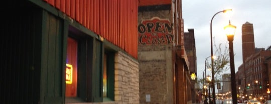 Cuzzy's Grill & Bar is one of Mill City Love.